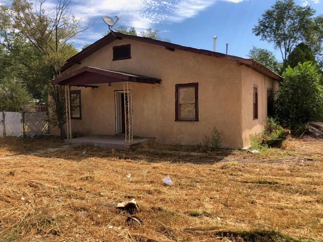 Fixer-upper for sale. Owner will sell on a NMREC with closing cost down. Selling as iS Where is.