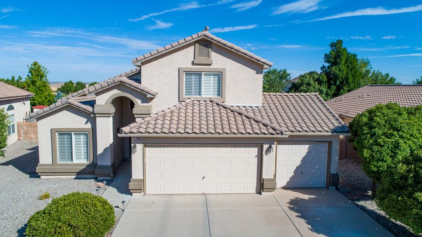 Welcome to the desirable Vista Del Norte neighborhood! Walk in to find a great open layout surrounded by bright natural light and plenty of room for the whole family. Perfect for entertaining with an open kitchen w/breakfast nook and living room that looks out to the very inviting and fully landscaped back yard that includes a covered patio. The downstairs Master bedroom is sun-filled and private. Master bathroom has a  walk in closet, soaking tub, separate shower and double sinks.  Home also features a multipurpose loft that is perfect for a second living area, office, play room, etc..There is a nice balcony off the upstairs loft that's perfect for morning coffee and balloon watching. The backyard also features a garden area, storage shed, drip system and sprinklers.