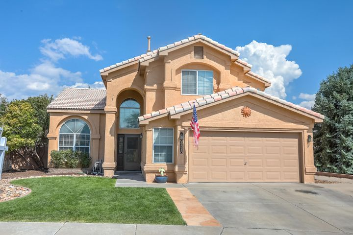 Stunning home nestled in a quiet cul-de-sac lot in the Las Terrezas subdivision.  This home has a formal living/dining great room with vaulted ceilings.  The first floor has gorgeous ceramic tile floors.  Updated kitchen with granite countertops and breakfast nook opens to a family room with a cozy fireplace.  LUSH front & backyard all on auto sprinklers.   Large patio great for outdoor entertaining.  4 bedrooms includes a downstairs guest room with an adjoining 3/4 bath.  NEW carpet, newer Aerocool evaporative cooler (2018), professionally painted inside and out.  Lots of storage with a oversized 2 car garage and 2 storage sheds.  Excellent location just minutes from shopping and easy access to Paseo