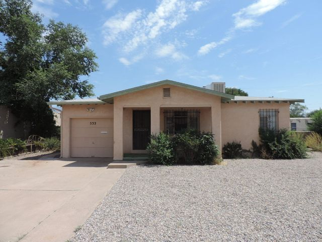 This is a great starter home, good condition & location with access to Kirtland Air Force Base, Sandia labs, Schools and shopping centers.