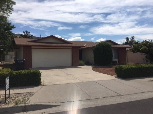 Current State Sale in Progress,. This home is in a beautiful neighborhood and it has been well maintain  , lots of potential, large rooms, two living areas  lots of space, open floor plan and much more