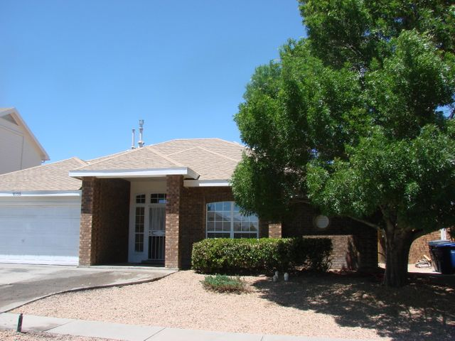 UNDER CONTRACT! Welcome to this All Brick Beautiful Sivage Thomas Home in Parkwest Subdivision with no HOA fee!!!! 3 Bedrooms,2 full baths, and 2 car garage. Large living room with vaulted ceilings, gas fireplace and beautiful glass tile. Kitchen features granite counter tops and Stainless Dishwasher and Oven. Large master bedroom with large walk-in closet! Master bath has dual sinks and separate shower and tub. Covered Patio in Back Yard with mature Trees and Beautiful neighborhood park just down the street. Convenient location close to shopping and Freeway. Hurry! Will not last long!
