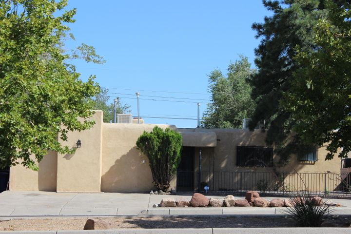 Spacious fully remodeled 4+ bedroom/4 bath single-level home with open floor plan. Updated kitchen with  stainless steel appliances. All 4 bathrooms have been completely remodeled. Sunroom with endless natural light for entertaining family and friends. Den/family room with fireplace and craft room with abundant storage. Large master suite and 2nd bedroom with private bath. TPO roof installed in 2019.
