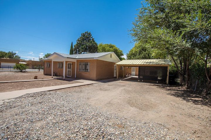 Newly upgraded house and casita. Located close to bosque, biopark, bus lines & freeway. Established neighborhood with lots of families. Located off a culdasec.