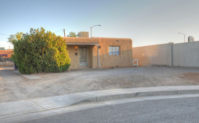 BACK ON THE MARKET WITH A PRICE IMPROVEMNET !!! BEING SOLD AS IS SELLER WILL TO DO A REC!!!!Great invesment Property!!! Is Zoned R-3 and has plenty of room to build additional units. Quaint home, well kept wood flooring and tile flooring, sweet full bathroom, and spacious living area next to the well lit kitchen.  Call this charmer yours today.
