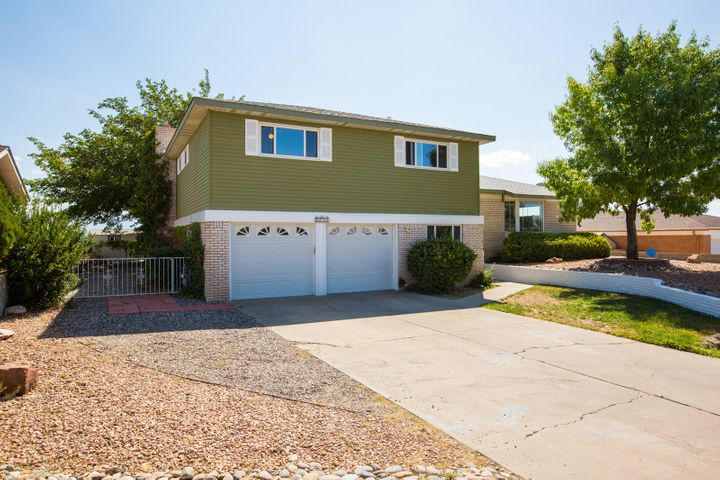 This home is like new inside.  New paint, carpet.  It has a great floor plan.