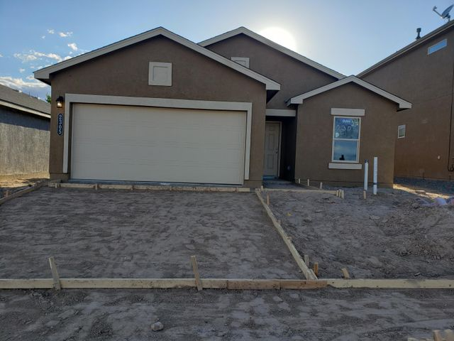 Beautiful single level 3 bedroom with 2 full bath. Granite counter tops, cultured marble in restrooms. 18x18 broken joint tile in all wet areas including living room!!  Come by and take a look at this beauty.