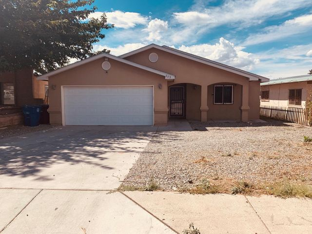 Beautiful 9 year old home. Brand new carpet (September 2019) in all bedrooms! Spacious living room area with open concept! Security camera wires ready for installation. Huge backyard for all your activities!