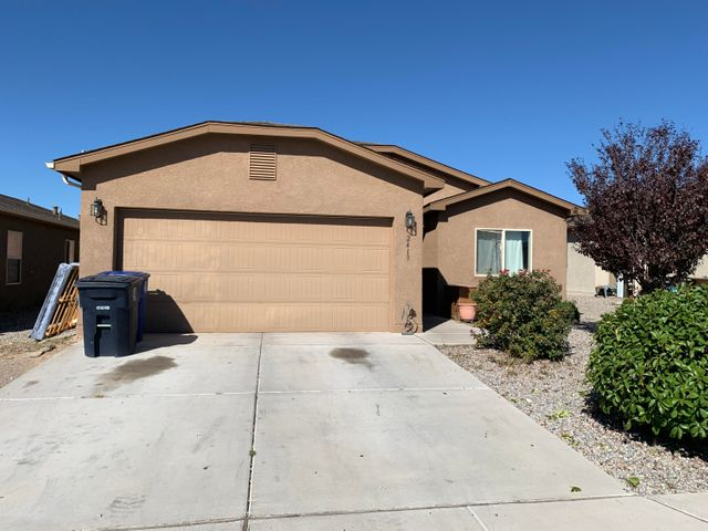 With a little TLC this home would shine!   Discounted price to address deferred maintenance, consider this a short sale without the wait!  Come take a look at this great house!