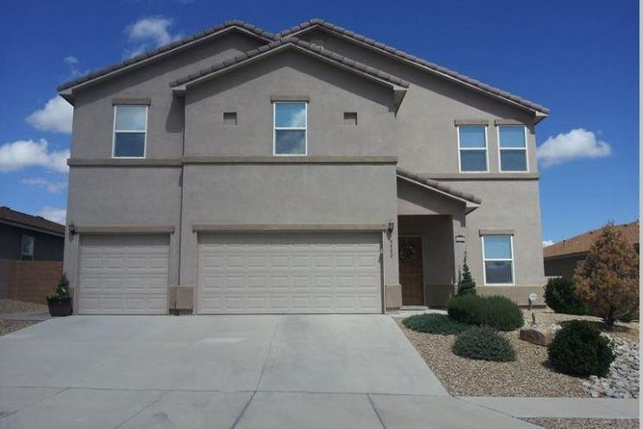 Don't miss your opportunity to call this Los Lunas Gem home.  Located in close proximity to Shopping, restaurants, and access to I-25.  This spacious 2454 sq ft home boasts 5 bedroom, 3 baths, 3 car garage, and kitchen which opens up to the living space, making it great for entertaining.  Enjoy the beautiful NM weather in the large back yard with lush lawn and zeriscaping.  Schedule your showing today, it won't last long!!