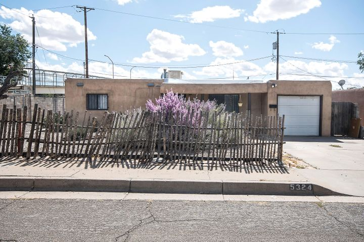 Great house in ABQ Uptown area!! Inspections complete! Brand new TPO Roof, new water heater, fresh paint! Newer evaporative cooler and windows. Large backyard with covered patio and backyard access! So much potential for this home, make it yours today!