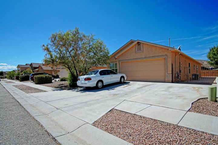 Spacious Open Floor Plan with room for the entire family, tucked away in newer neighborhood. Lot with backyard access.