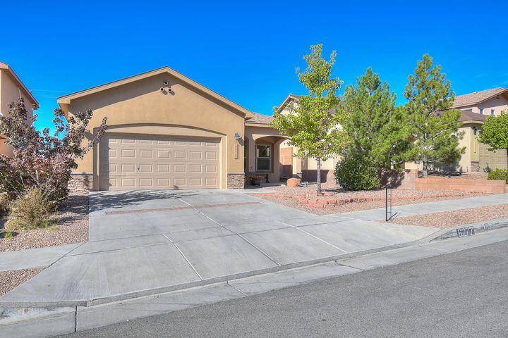 This adorable home offers new build luxuries with a convenient Rio Rancho location. This homes 3 bedrooms and 2 baths come with brand new carpet and newly updated tile flooring. The living room and kitchen are brightened by the large front facing window and neat tile flooring.  The master bedroom is spacious and private with a walk in closet featuring built in shelving and hanging rods. The master bath offers standing shower and top slit windows filling the room with natural light while providing the privacy of a windowless bath. This comfortable and well kept home wont last long, schedule a showing today.