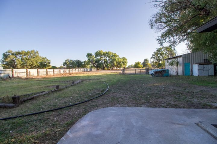 Completely renovated horse property on over 3/4 of an acre!!! All new windows (except 2) upgraded plumbing, new doors, light fixtures, all new flooring, brand new kitchen cabinets with granite countertops and new appliances!! 3 living areas and much more!!A must see!! Seller is open to a real estate contract.