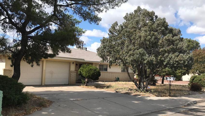 Come make this house your home, Near Chelwood and Phoenix, Enchanted Park Community. HUGE Corner lot with backyard access and RV pad. 3 bedroom 2 bath HOT TUB room. With some TLC this will be a amazing home. Don't miss out. Close to Restaurant's and walking distance to a Ross Enchanted Park.