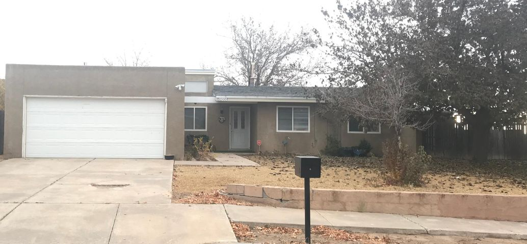 Wonderful 3 bedroom home in excellent Taylor Ranch location. Convenient access to shopping, restaurants, parks, the Bosque and the Rio Grande. Corner lot with plenty of storage and nice covered patio. Seller is motivated to sell!