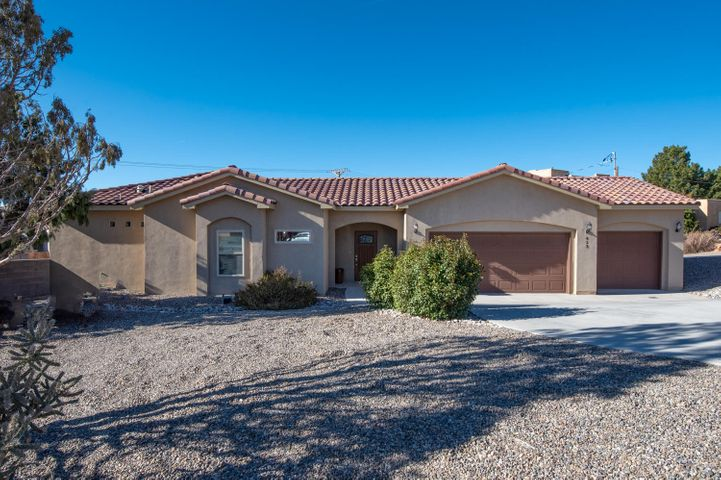 This newer beautiful custom home is full of amenities! The home boasts granite throughout, tile floors, an over sized 3 car garage, a large lot, great views of the mountain and more! Make your appointment to see this house today!