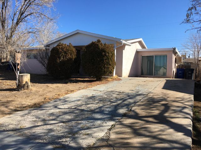 This model is one of the only ones in the neighborhood with 2 bathrooms. 3 good sized bedrooms. Garage has been converted for extra space and heater has been installed. This home has a lot of potential!Property will be available on Lockbox  2/20/20 and Pending Sign will be removed by 12pm.