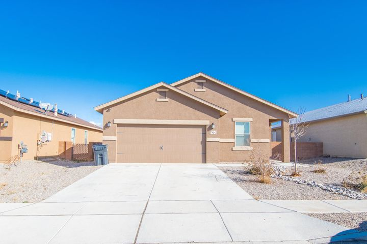 Beautiful, well maintained 3 bedroom 2 bath home located in the mountain Hawk community. New hard wood flooring. Master suite with walk-in closet, A fully fenced back yard and front yard landscaping. Don't miss out, schedule your private showing today!