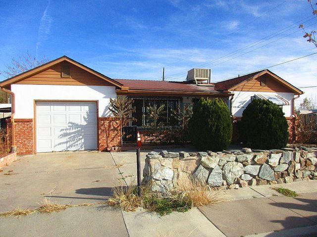 North Valley, perfect starter home on corner lot with back yard access. Coverd Patio, fenced backyard wrought iron on windows, 1 car attatched garage, pitch. Take a look you will like this home