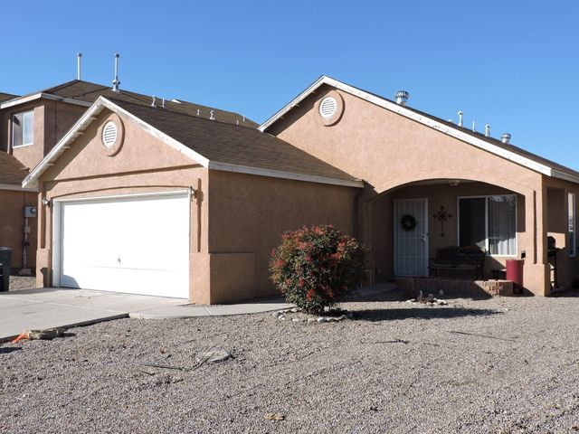 Come see this beautiful well kept home.  3 bedroom 2 bath home. Living area has a open floor plan to Kitchen. Great location.  Home is being sold ''As Is''.  Please see showing instructions.