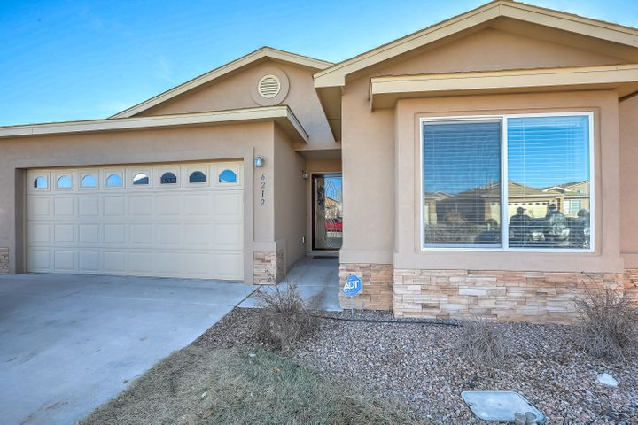 Beautiful updated Vantage home with 3 bedrooms and 2 full baths.  Original owner.  New tile, new appliances, granite counter tops, gas log fireplace, covered patio,  and lots of loving care.  Beautiful city and mountain views in this great neighborhood. Move in ready