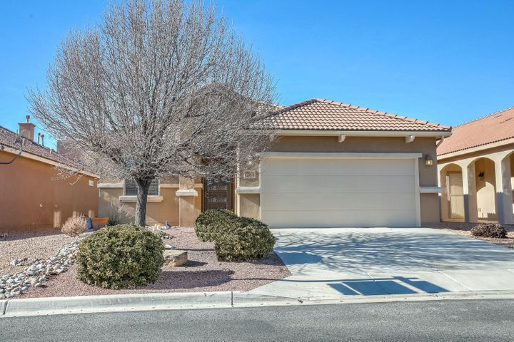 Start the New Year right in this beautiful 2 bedroom, 2 bathroom home in the exclusive 55+ Dell Webb community in the historical Bernalillo area of New Mexico.  Spacious open floor plan features 9 ft. ceilings, granite counters in the kitchen with an oversized island, double ovens, upgraded cabinets, tile flooring, new carpet, large walk in closets, dual sinks in bathrooms, covered patio, water softener and much more.  The gated community offers a 9,000 SQ FT clubhouse with a fitness center, multi-purpose rooms, kitchen and indoor swimming pool.  There is also an outdoor pool, hot tub, putting green, and bocce courts.  All perfect for entertaining or just unwind in any of the neighborhood parks and take in the amazing views.  Come see today!