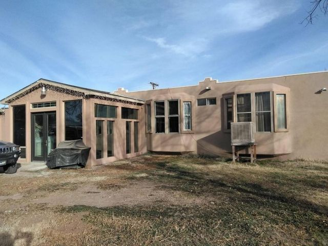 2236 sq.ft. upgraded remodeled 3 bedroom 2 bath Manufactured home with large addition. Enclosed porch, all synthetic stucco 1/2 acre lot for only $119,000 Possible owner financing with a much higher price.