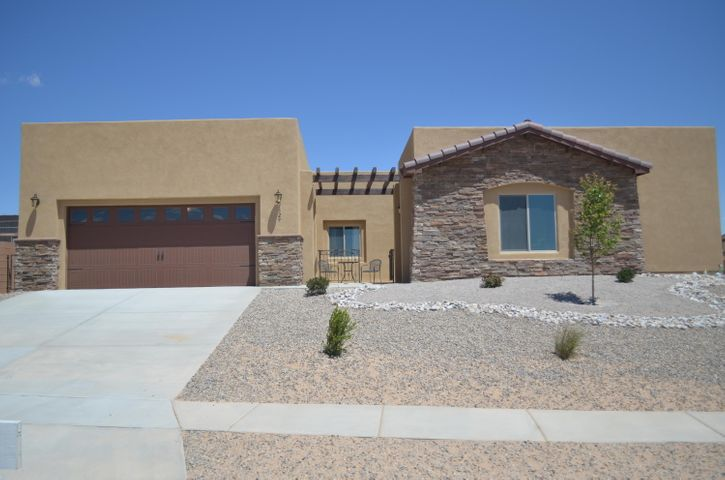 Exclusive RayLee Gated Community. This Bernalillo location is idea for commuters and located near the river. Close to amenities and other beautiful properties. This is a hidden gem. Only 9 homesites left!
