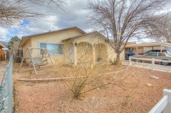 Awesome northeast heights home.! Open floorplan, stainless steel appliances, granite countertops, refrigerated air. New roof. Convenient location,  large backyard, landscaped front yard. Your dream home awaits.