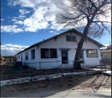 Bring your handy man! This is a great opportunity!!! Could be used as Triplex... Duplex... Single family with guest house?? the options are certainly there and ready for your special touch.