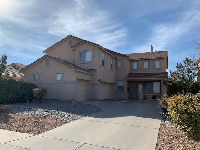 Popular DR Horton, Grand Canyon Model Lots of Square Footage for the money... 4/br plus office, 2.5/ba, 3 car garage.  Well kept home in Cabezon.