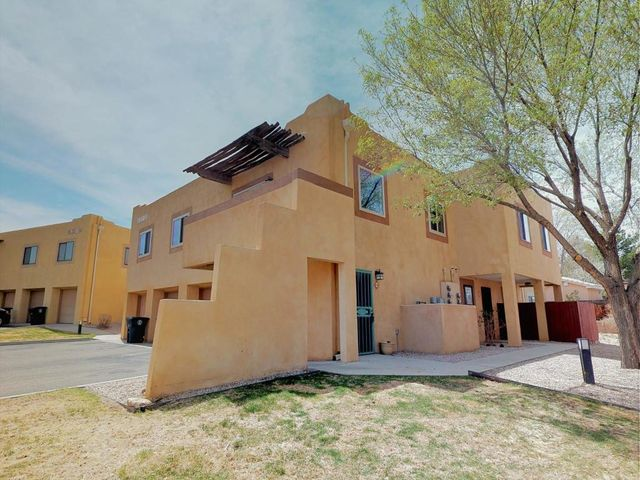 Charming 2 bedroom, 2 bath home in the popular Arroyo del Sol community  is ready for a new owner!  Open floor plan. Newer carpet & paint. Over-sized 1 car garage. Balcony to enjoy the cool evenings.  Close to Cottonwood Mall. & so much more.HOA covers water, sewer, garbage, grounds and exterior insurance.