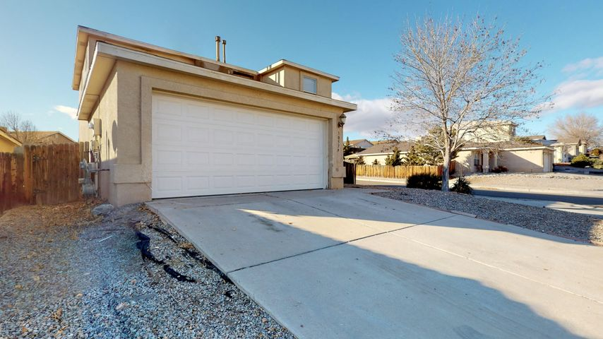 Wonderful corner lot with views in Tuscany Ridge.  Beautiful spacious kitchen with an island. 3 bedrooms upstairs, 1 bedroom downstairs, large laundry room. Covered back patio!  This home won't last long!  Schedule your viewing today!