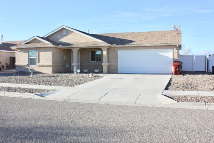 Don't miss this opportunity to get into this well maintained, beautiful, 1 owner,  turn key home.   In a quiet neighborhood, only 1 mile away from I-25, this home is only 15 minutes from Los Lunas and 30 minutes from Albuquerque.  Home has a walk-in tub and double sinks in the master.  For those of you that love to bake, there is a double oven in the kitchen.  Large backyard is begging for BBQ's and get togethers.  At this price, this home is perfect for the first time home owner or for someone looking to downsize.  Please allow 24 hrs before showing.