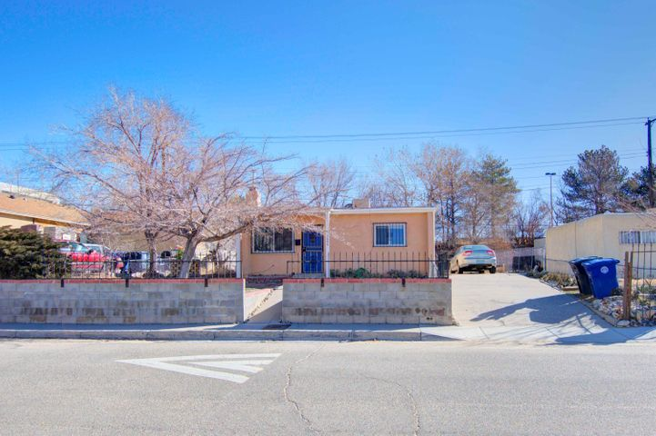 $3,000 credit for repairs. Owner Financing Available10% down - 6% Interest- 5 YEAR Located minutes from I 25 near the intersection of University and Gibson.  This charming small home is perfectly located near the Airport, the Base, CNM and UNM.  It is surounded by tons of restaurants!