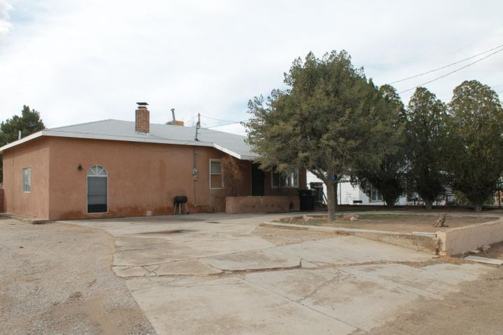 Fabulous Opportunity For Country Living.Great South VAlley home and area... Enjoy country Living With City Convenience.Hardwood floors and Restucco 2017, New heating and duct work 2018, new roof 2018. home to be sold as it. Seller will not to any repairs. Nice lot and a flexible floorplan are all part of the charm. This is a great home for someone looking for a large lot at a great price... Dont miss this one Will consider REC with reasonable down.Just north of new Valle de Oro National Wildlife Refuge