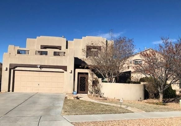 OXBOW!This is a truly great home, good sized bedrooms, loft for that little ''extra'' space, large back yard and super sized balcony with fantastic views. This home has lots a great things to offer for the price! Don't let this one pass you by!