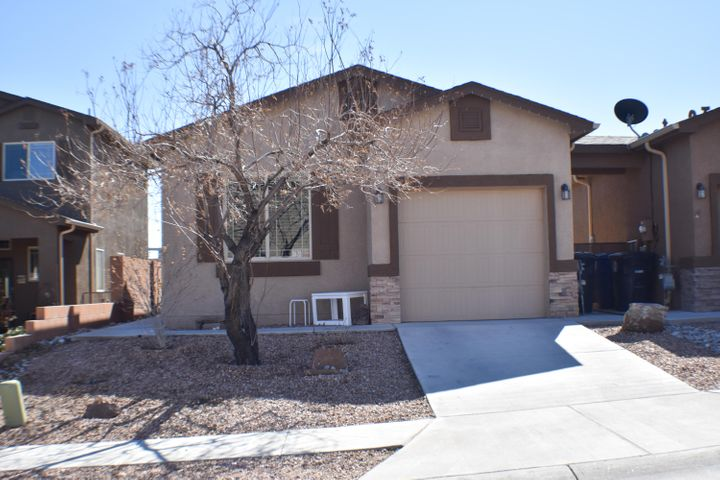 Pride of ownership shows throughout this lovely townhome. Its move-in ready. Close to shopping centers and schools.