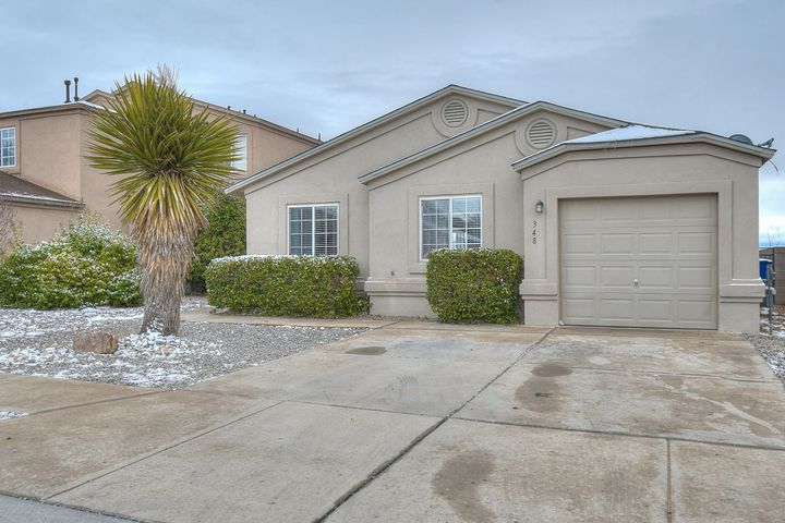 Check out this great starter home!Open floor plan great for entertaining. Laminate flooring throughout, New Countertop in the kitchen, fresh paint on cabinets, new backsplash.