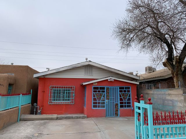 lovely Affordable  Starter Home, 3 Bedrooms , 2 Baths.  Back Yard Access, Tile Floors,  Plenty of Rooms For office Space etc, Close to Downtown UNM,  Airport!!!