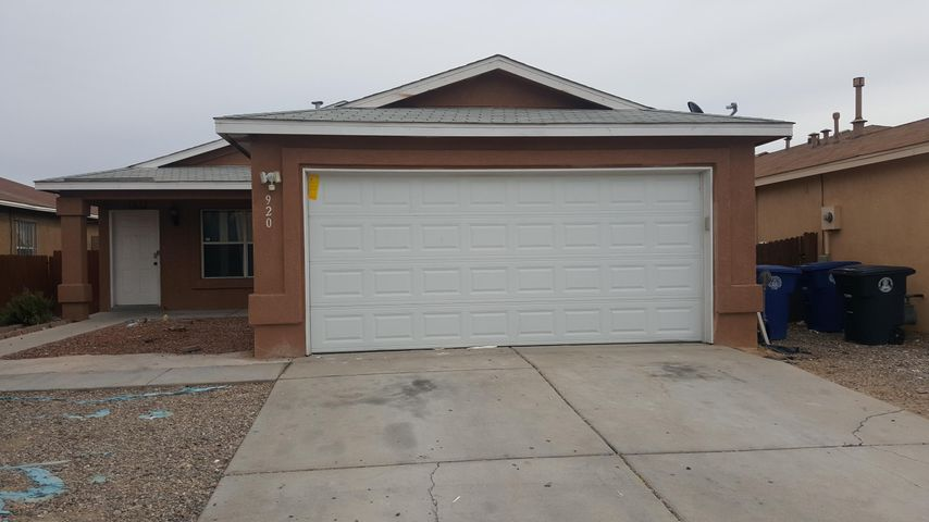 Nice Property open Floor plan  with fireplace and ceramic title flooring  throughout.Upgraded bathrooms with decorative ceramic title and one bathroom with Jacuzzi bathtub ,cover back patio