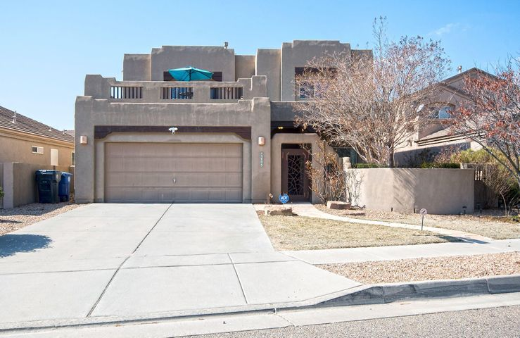 OXBOW!This is a truly great home, good sized bedrooms, loft for that little ''extra'' space, GIANT back yard and super sized balcony with fantastic views. This home has lots a great things to offer for the price! Don't let this one pass you by!