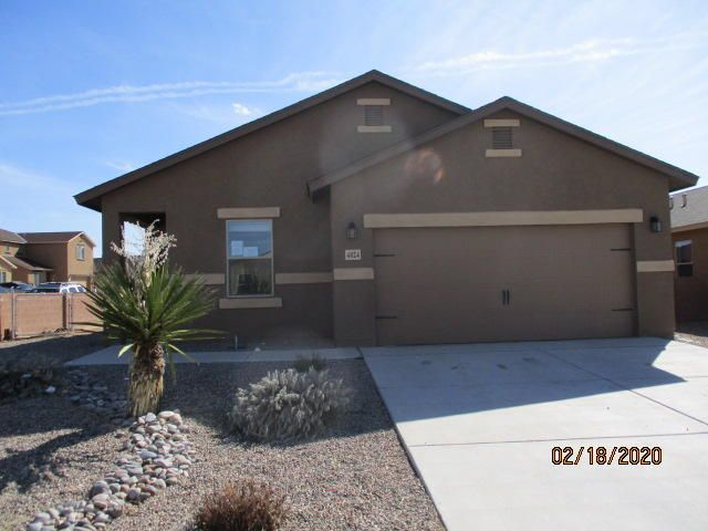 3 Bedroom 2 bath home located in the community of Mountain Hawk.Corner lot with wall around backyard.  Seller does not pay customary closing costs: including title policy, escrow fees, survey or transfer fees. Property may qualify for seller financing (VENDEE).