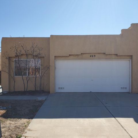 This a very nice, well maintained open concept 2 bedroom 2 bath townhome in the heart of Los Lunas with a two car garage; walking distance to the RailRunner Station, close to I25, shopping and schools.  This home has a very open and bright floorplan. The floorplan is split with the large Master bedroom on one side of the house and the other large 2nd bedroom on the other side. The master bedroom has a large master bath and large walk-in closet.  The master bath has a wonderful soaking tub and a separate shower.  This is a beautifully maintained home, both inside and out. The neighborhood is quiet and peaceful.