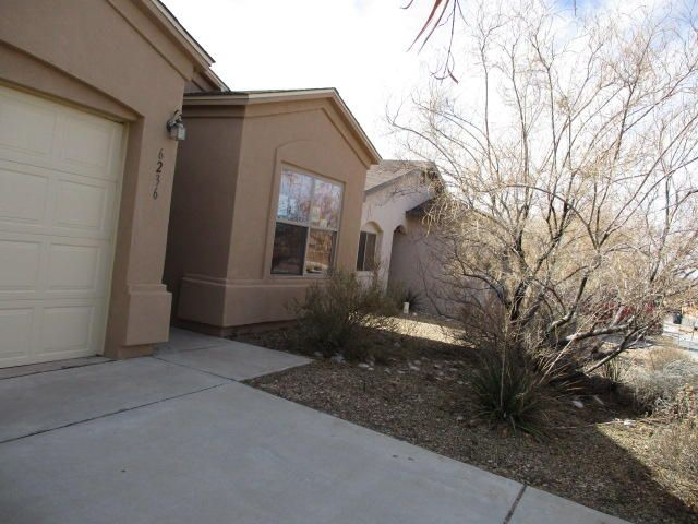 This home is price to sell. lovely 3 bed 2 bath  recently painted  and carpet home located in the Saltillo Subdivision close to shopping and entertainmentSeller does not pay customary closing costs: including title policy, escrow fees, survey or transfer fees. Property may qualify for seller financing (VENDEE).