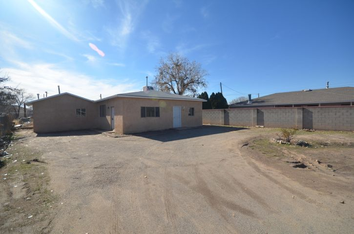Sweet Gem In The Historic District of Bernalillo! Home has been spruced up and is ready for new owners! All new flooring. Freshly painted. New appliances. Greatroom is the perfect size for family gatherings. Kitchen offers lots of cabinetry and counter space plus dining area. Fabulous starter home. This home is a must see and has been price to sell.