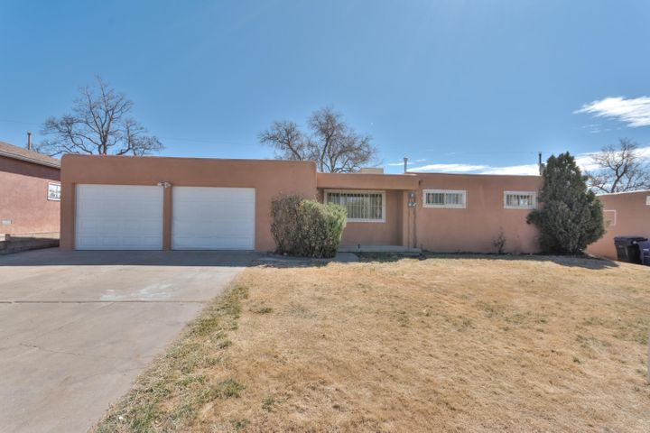 Wonderful Location, Roof is less than a year old TPO.  Home has been competely updated .  New Appliances, New cabinets, thru out updated bathroom, carpet, paint, New Stucco. Great Schools, this house is a must see!!!