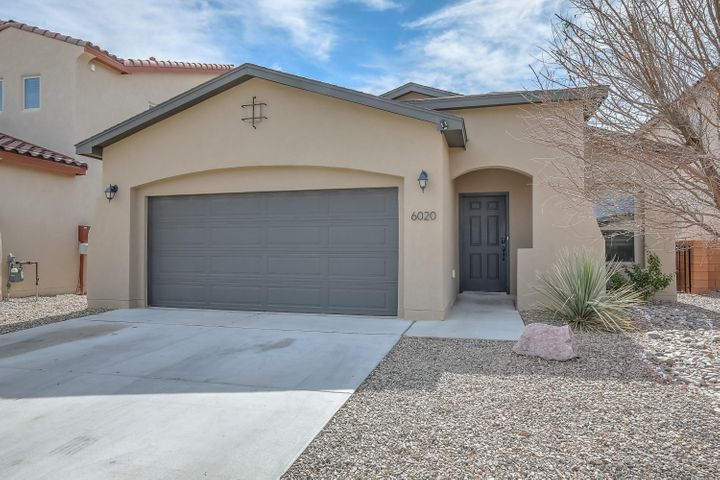 Beautiful single story Abrazo home located in Paradise View. Home Features - Open great room and kitchen with large island and granite counter tops,  spacious master suite with garden tub and separate shower in the master bathroom, covered patio and much more!