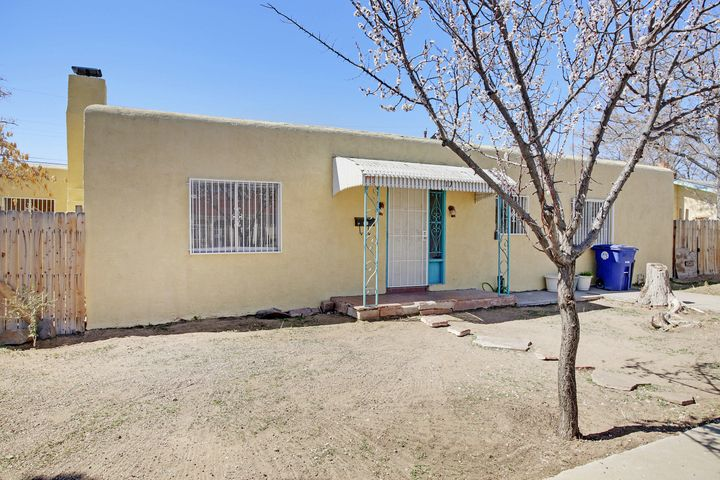 Special Financing Available! Great rental property for investors or a first time home, 3 bedrooms, 2.5 baths and conveniently located for access to downtown,Close to schools, shopping.. Backyard access possible.  Newer Water heater, furnace heater, air conditioner motor & roof. Home needs some TLC and is sold as is.